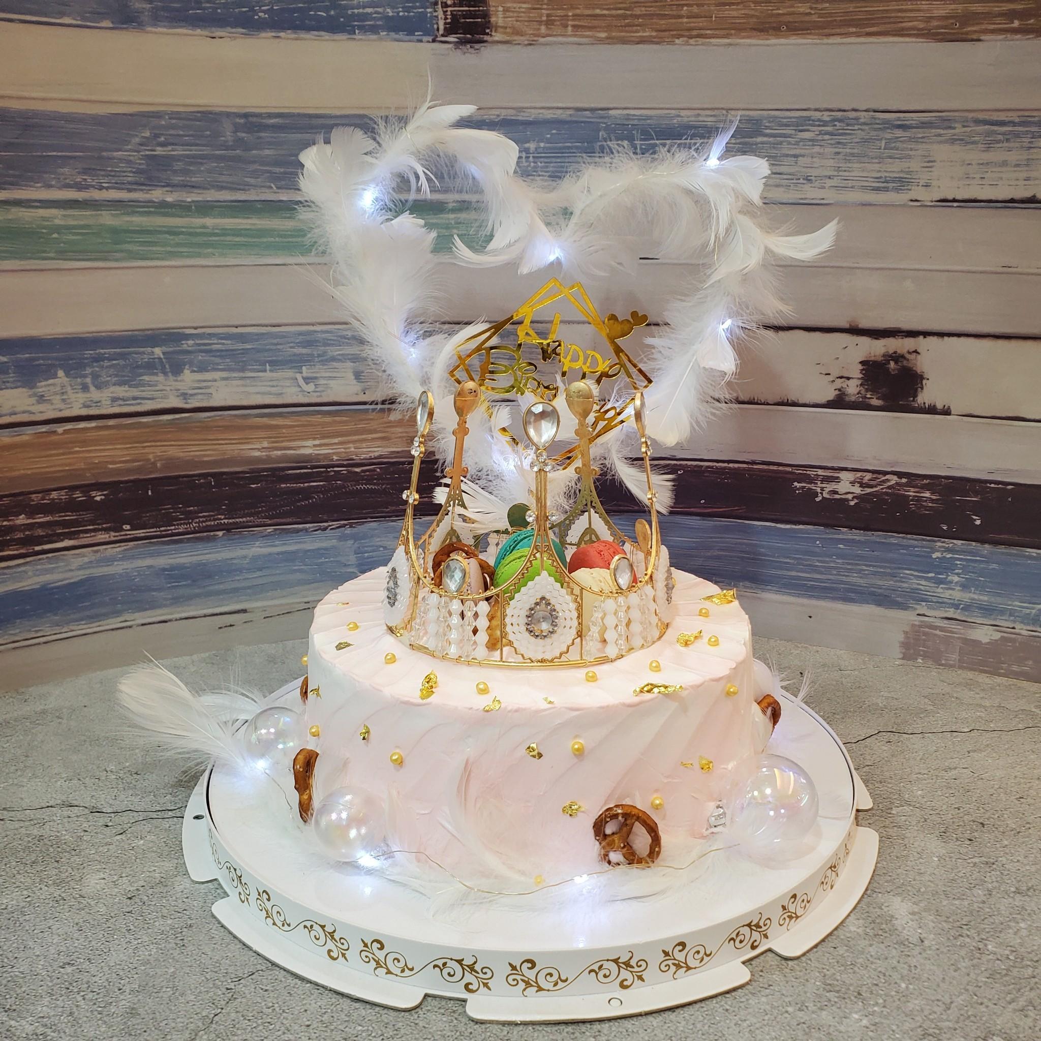 氣氛光羽馬卡龍皇冠蛋糕